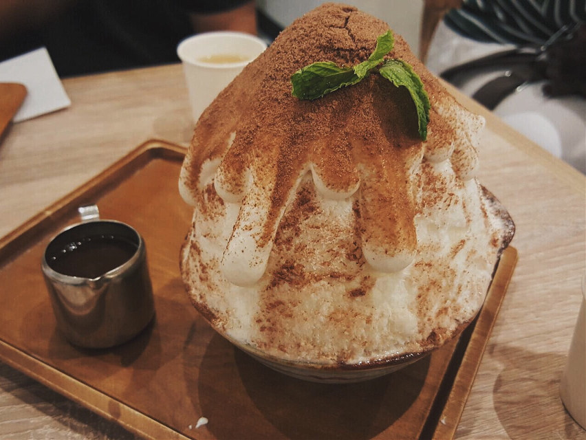kakigori 🍧💚😍❄️ #FreeToEdit #japan #party #photography #yummy #yummyfood #dilicious #sweet #food #foodphotography #chocolate #milo #happy #cool #desert #kakigori